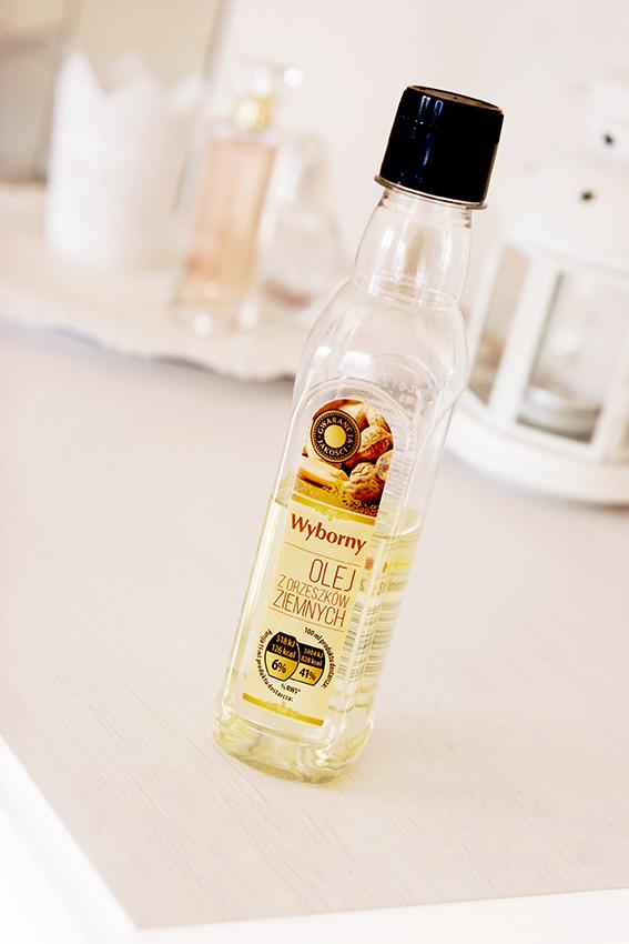 Olej z orzeszków ziemnych arachidowy do włosów kręconych