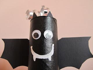 Lavoretto per Halloween: Pipistrello porta dolcetti