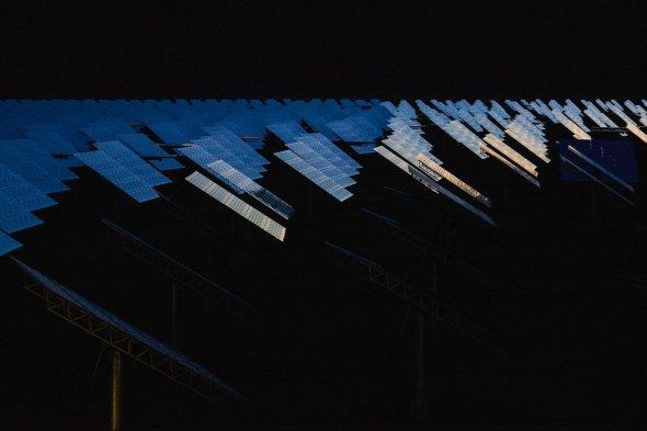 Reuben Wu arte fotografia arquitetura natureza noite luzes por do sol espelhos energia solar crescent dunes