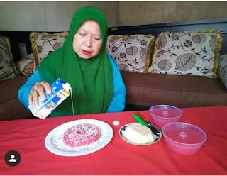 Susu Kental Manis dipakai sebagai pemanis makanan