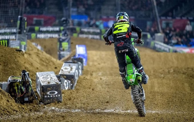 Eli Tomac vence mais uma no Monster Supercross