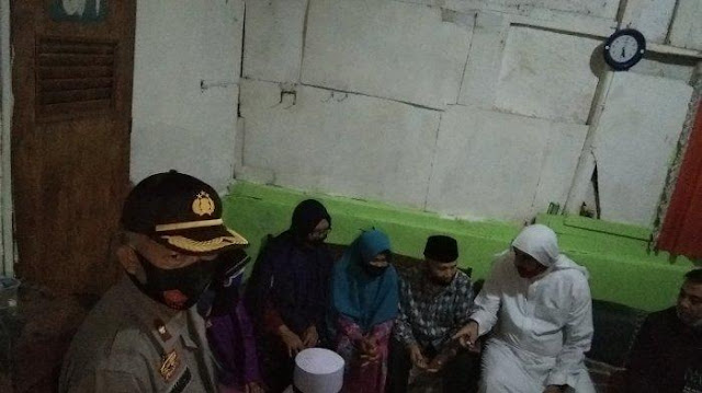 Berkah Keteguhan Bawa Alquran, Akbar Pemulung Viral Diajak Umroh & Jadi Anak Angkat Syekh Ali Jaber