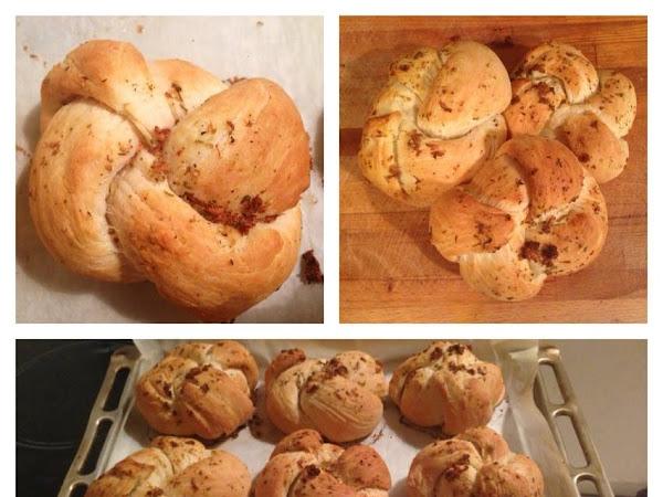Пухкави чеснови хлебчета