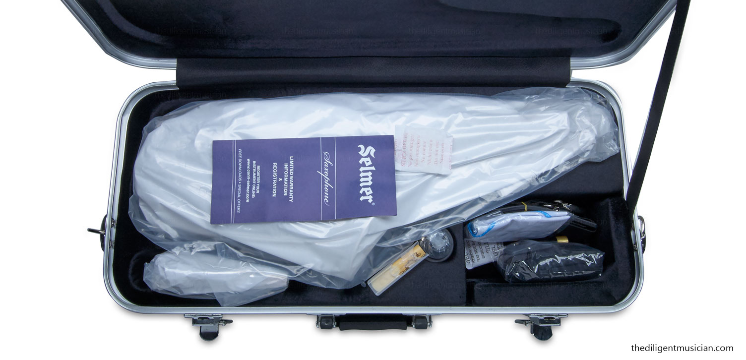 Selmer AS-400 Series Student Alto Saxophone Review Open Case Packaging