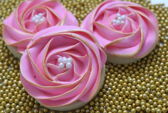 rose flower cookies