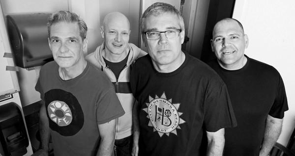 Descendents live @ Punk Rock Holiday 1.6 (Full set)