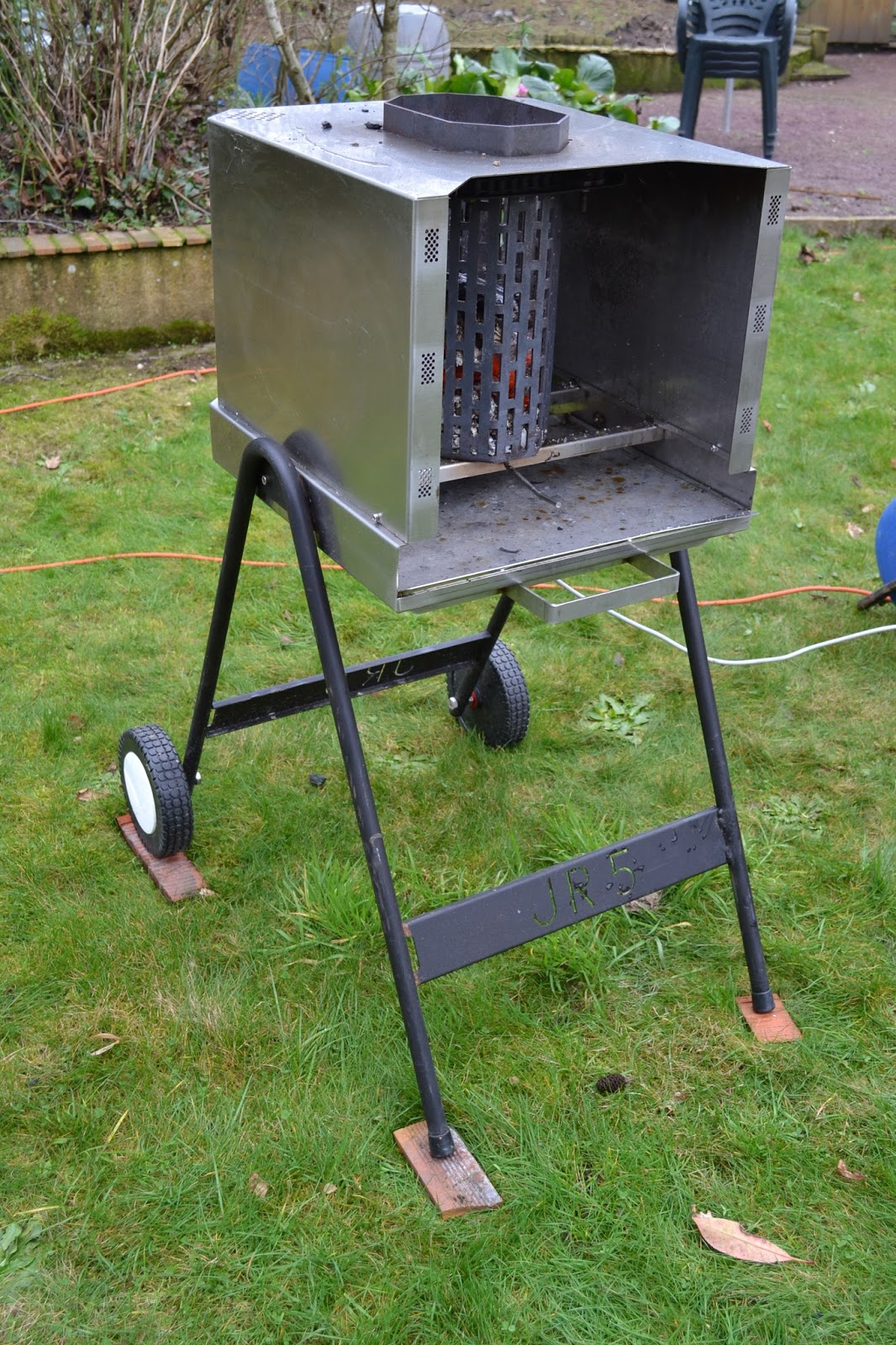 barbecue automatique vertical barbecue jr4. Black Bedroom Furniture Sets. Home Design Ideas