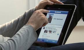 فيسبوك في الهند وبقوى !