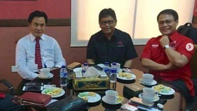 Resmi Jadi Pengacara Jokowi, Yusril Siap Pasang Badan Lawan Hoax