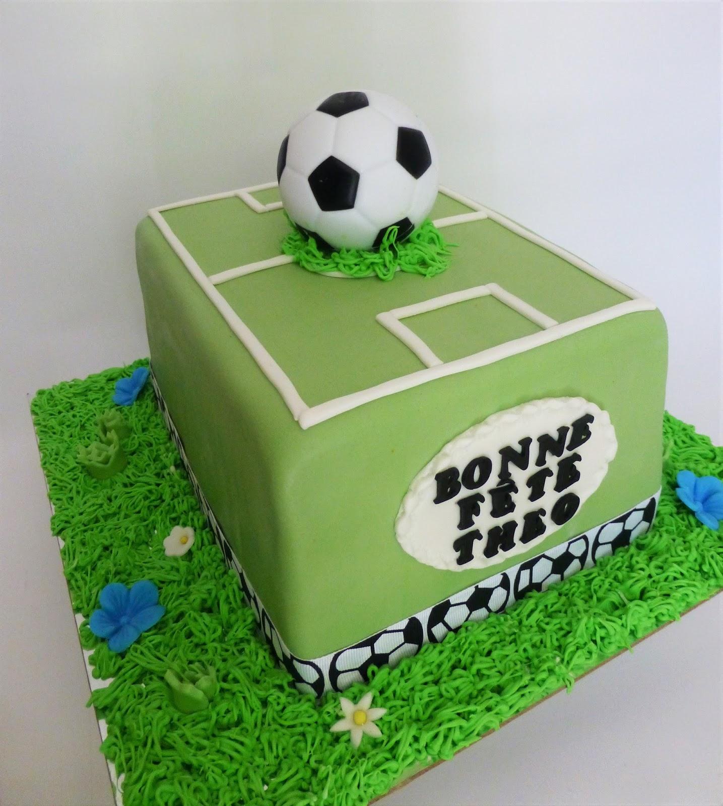 Soccer Cake: CakeSophia: Soccer Cake