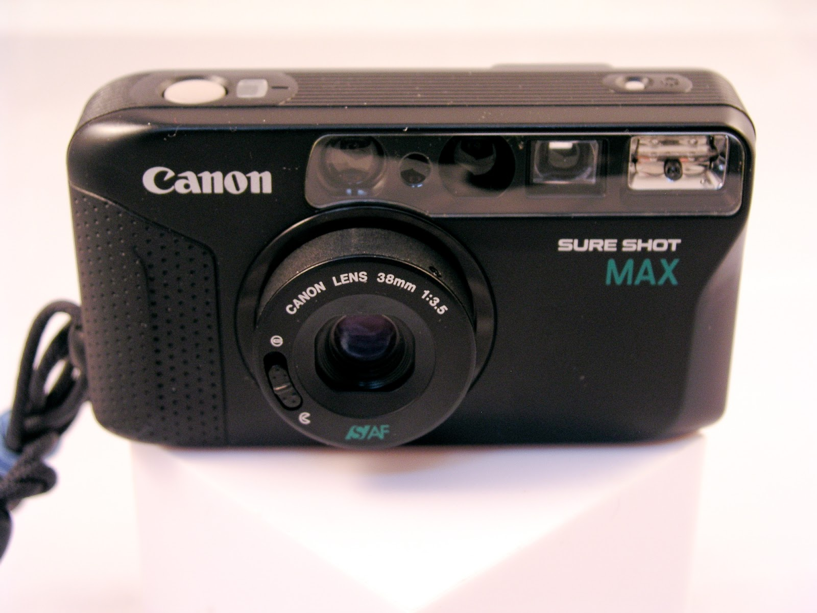 Random Camera Blog: Point and Shoot Review - Canon Sure ...