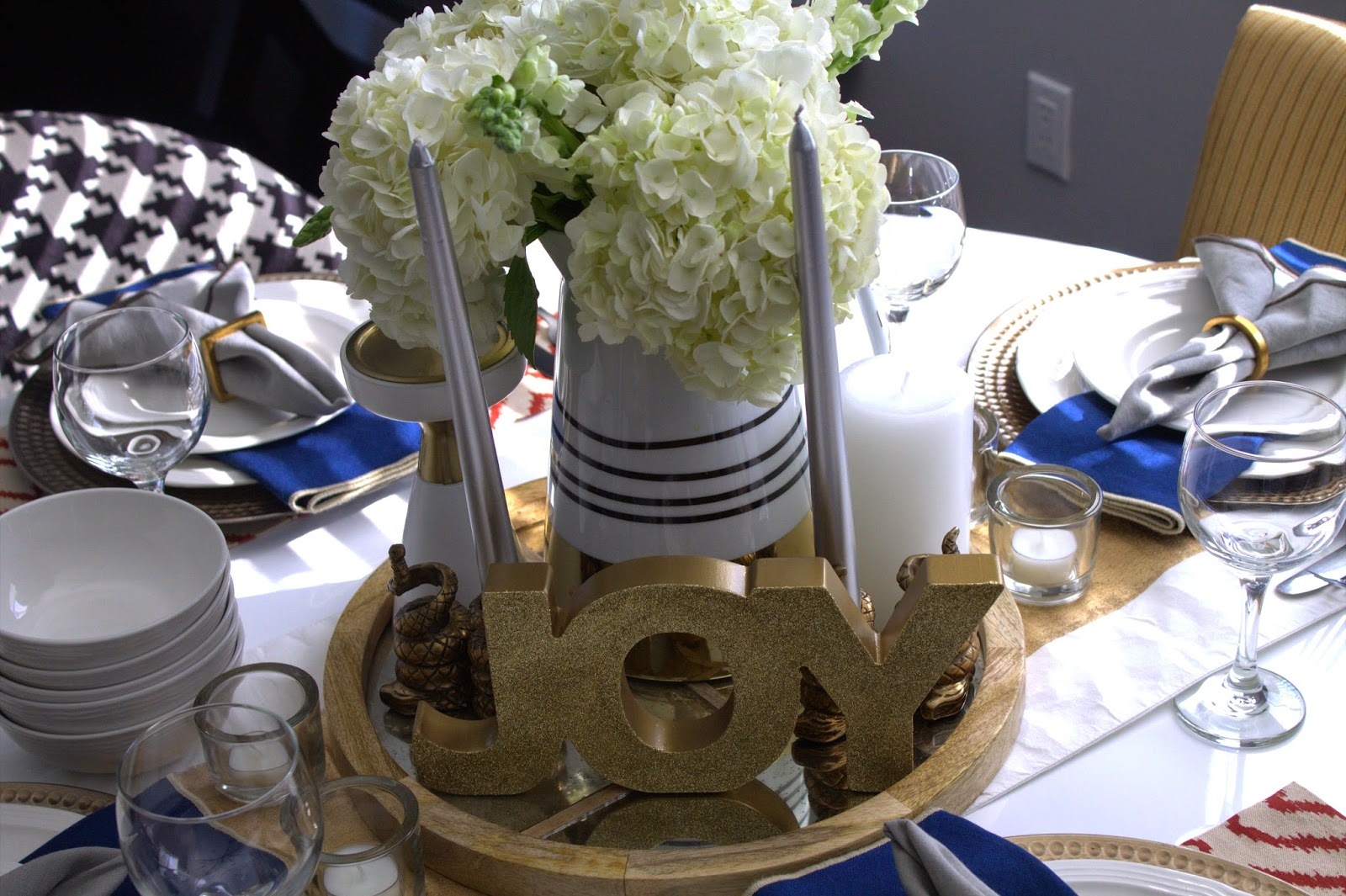 Live Laugh Decorate: Style Tips For Your Holiday Table Decor