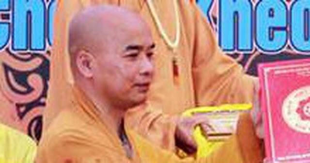 Sư trụ trì là tiến sĩ Phật học bị bắt vì hiếp dâm bé gái 14 tuổi