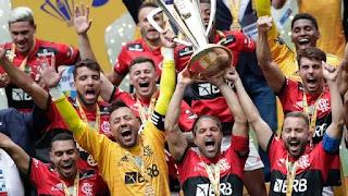 Flamengo vence o Palmeiras  e conquista o bi da Supercopa