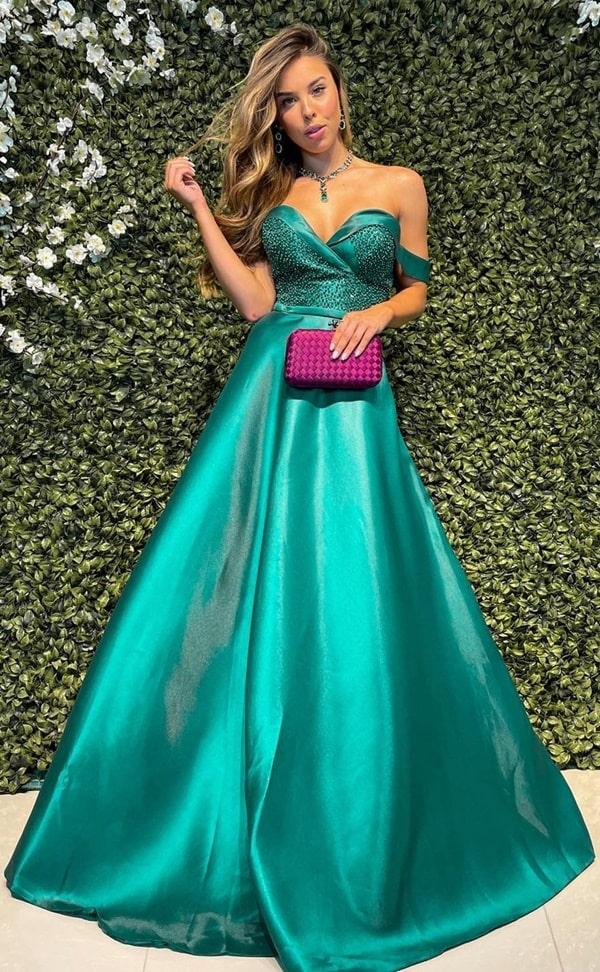 vestido de festa longo verde com brilho para madrinha de casamento