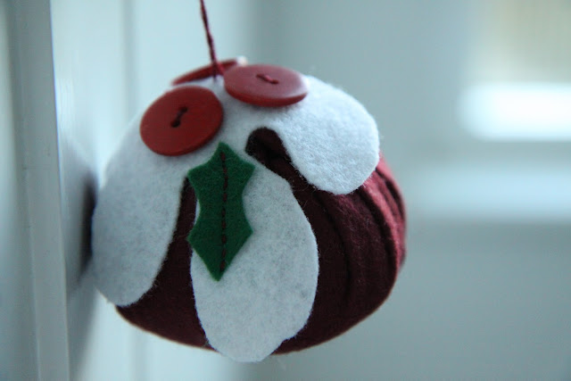 Christmas Craft Ideas On Modern Country Style: Make Your Own Felt Christmas Pudding