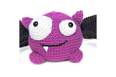 Free Halloween Bat Crochet Pattern, crochet halloween pattern, halloween bat, cute bat, cute crochet bat pattern, roundup crochet halloween bat pattern, vampire bat halloween, free crochet pattern, cute crochet, cute halloween decor, halloween gifts, diy halloween decor