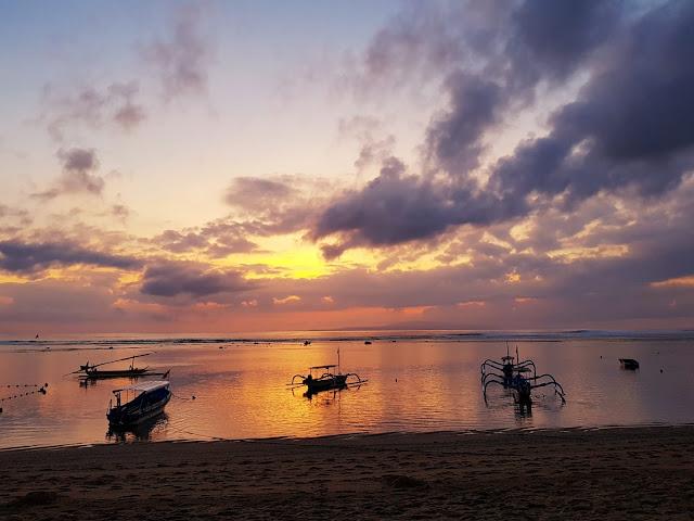 Alba a Sanur-Bali