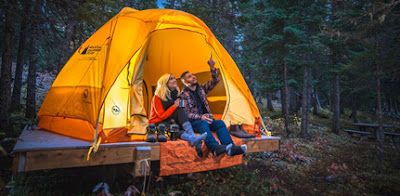 Affordable-and-Simple-Honeymoon-Ideas-camping