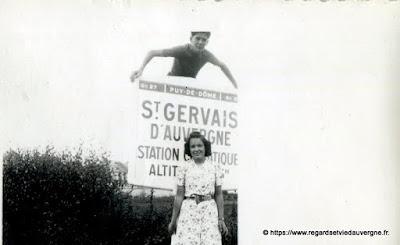 Photo de famille NB panneaux de villes Saint Gervais d'Auvergne.