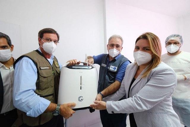 Após ministros tirarem foto com aparelho entregue pelo Governo de Pernambuco, prefeito de Santa Cruz do Capibaribe nega que houve simulação