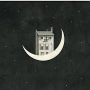 Instaköltészet testközelből: Tudod, mi van a Hold utca 23 szám alatt?