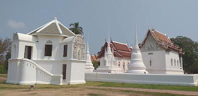 Wat Uposatharam Uthai Thani