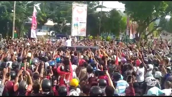 Soal Kerumunan Jokowi Di NTT, Satgas IDI: Anak-anak Belajar Di Rumah Dan Usaha Kecil Yang Menderita Pasti Bertanya-Tanya