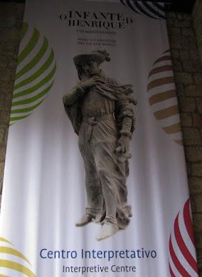 Banner do Centro Interpretativo dos Descobrimentos na Casa do Infante