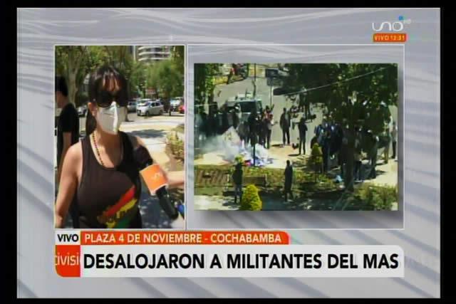Vecinos desalojan por la fuerza a masistas de una plaza en Cochabamba