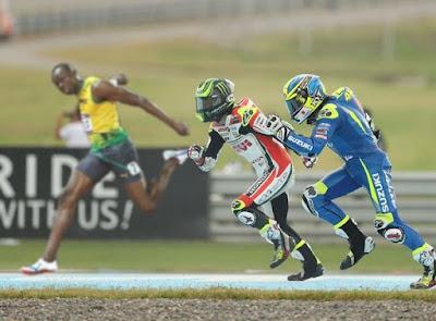 Saat Pembalap Lain Balapan, 2 Pembalap Ini Malah Lomba Lari