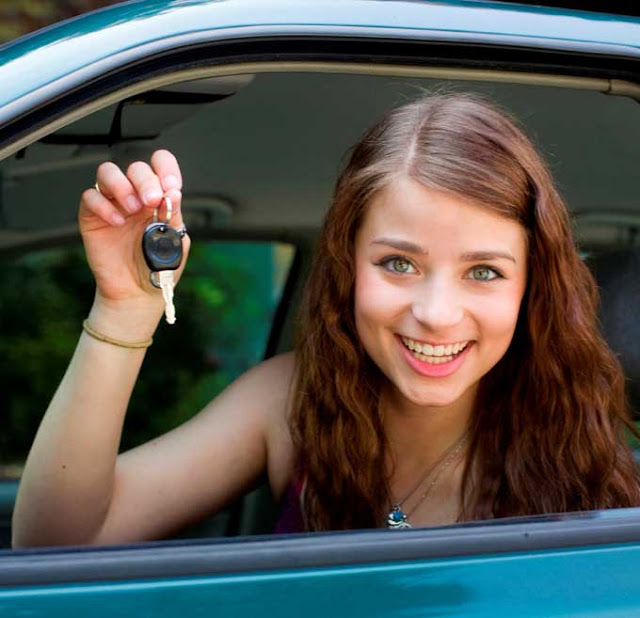 Teen In The Driver's Seat - How To Prevent Common Road Accidents Using Modern Apps