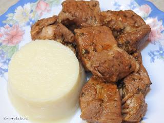 Friptura cu piure de pastarnac reteta mancare de casa cu carne porc si legume,