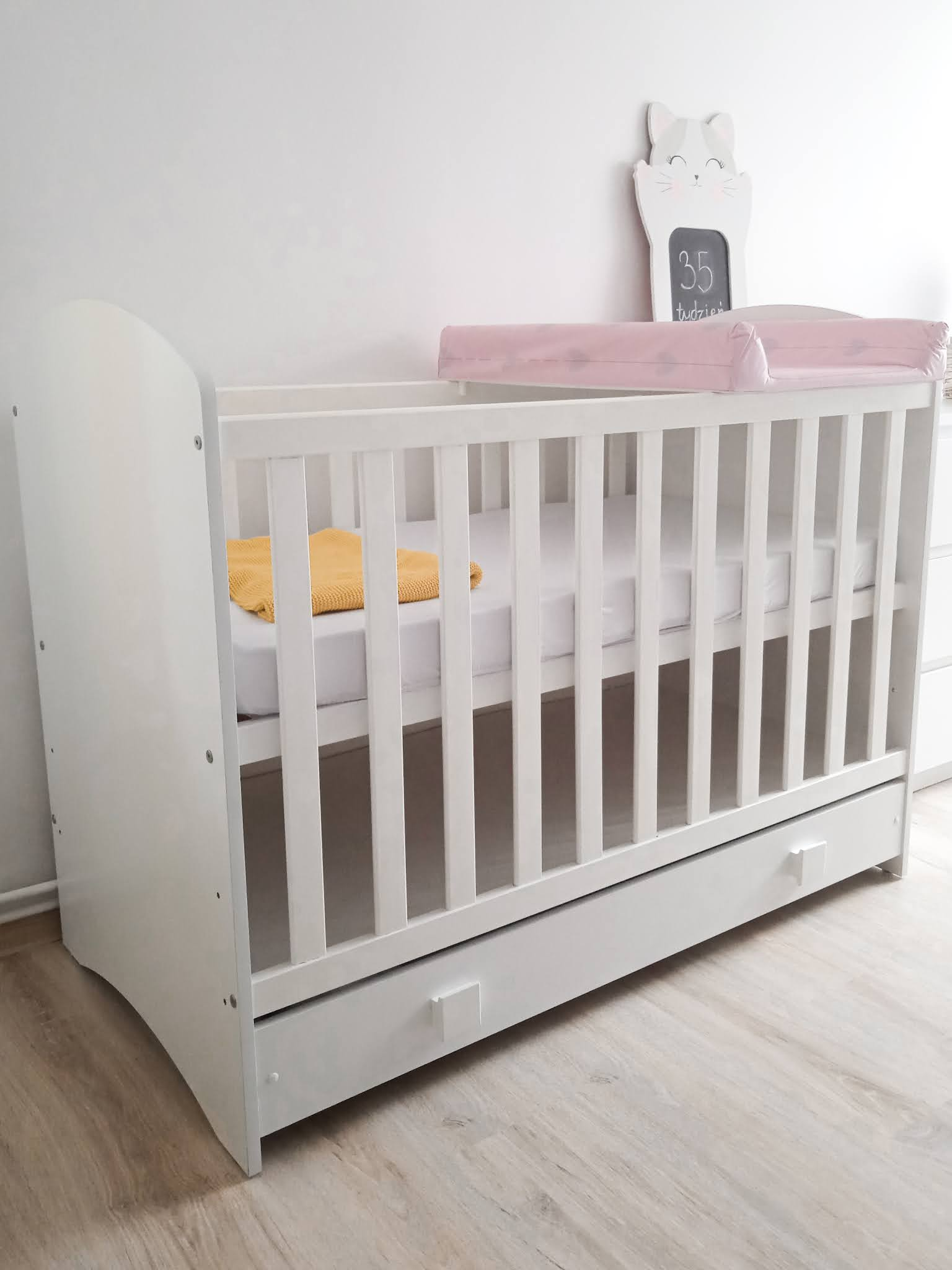 wieloletnie łóżeczko dla noworodka