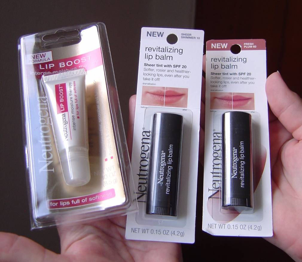 Neutrogena Revitalizing Lip Balm And Boost Intense Moisture Therapy Review
