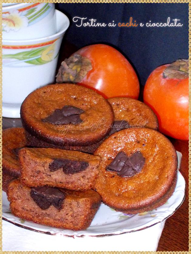 Tortine ai cachi e cioccolata
