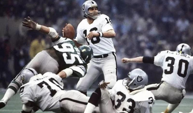 Jim Plunkett replaced Dan Pastorini in 1980 and led the Raiders to win Super Bowl XV