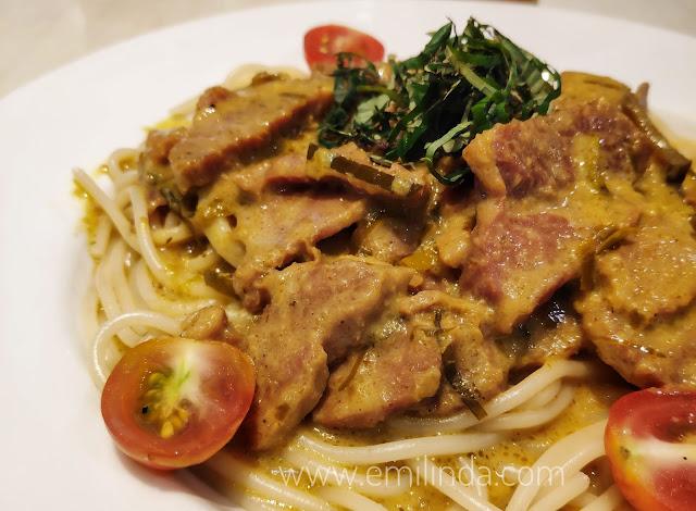 Jatuh Cinta Dengan Spicy Smoked Beef Pasta di Restoran Sepiring!
