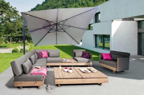 Sorara zweefparasol bij loungeset
