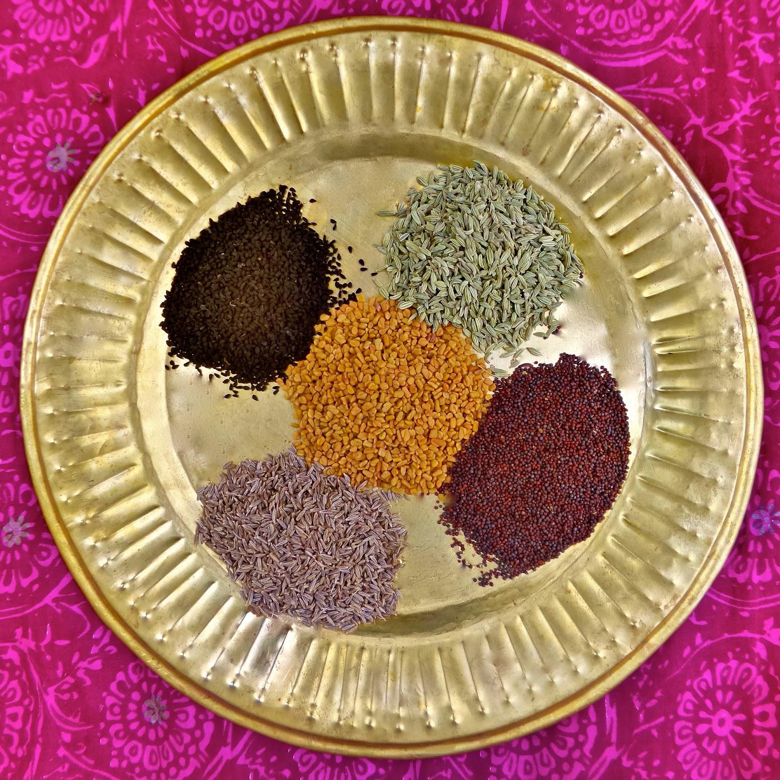 panch phoron, panch puran, panch phutana,  panch phoran,  panch pora, fennel, fenugreek, cumin, radhuni, ajmod, mustard, nigella, kalonji, bengal, bengali, indian, five spice, bengali five spice,