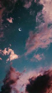 منظر القمر فى السماء