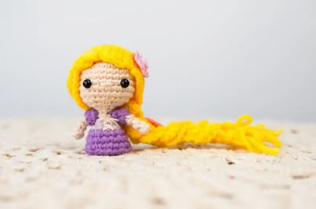 Tutorial Mini Amigurumi Rapunzel a Crochet