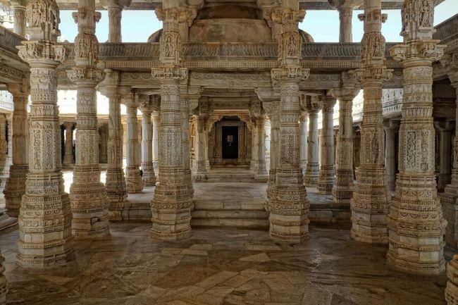 Pillars all around at Ranakpur Jain temple