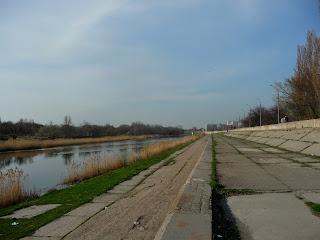 Павлоград. Набережная. Река Волчья