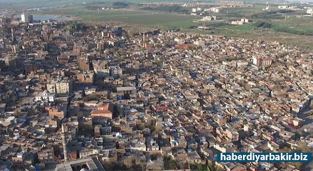 """DİYARBAKIR-Diyarbakır'ın Sur ve Silvan ilçelerinde, """"terör"""" olaylarından dolayı uygulanan sokağa çıkma yasağı nedeniyle, Maliye Bakanlığı Gelir İdaresi Başkanlığınca 1 Aralık 2015 – 31 Mart 2017 tarihlerinde arasında ilan edilen mücbir sebep hali süresi 30 Haziran 2017 tarihine kadar uzatıldı."""