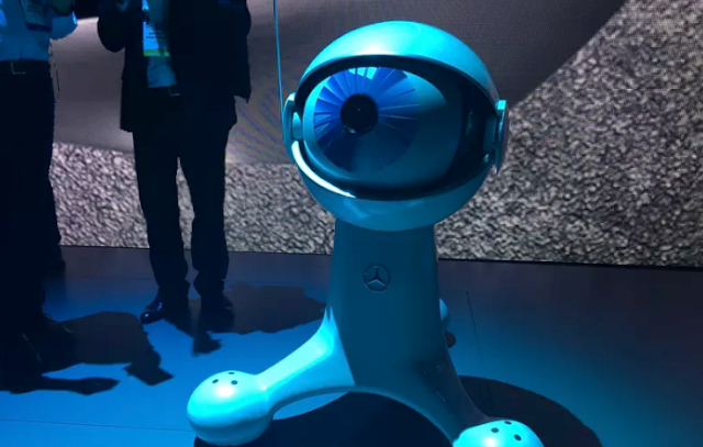 Mercedes-Benz's CES cohost is a large eyeball on wheels