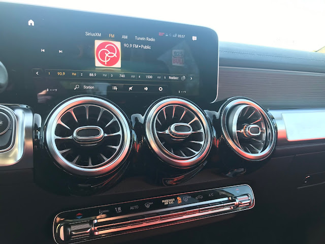 Infotainment and HVAC in 2020 Mercedes-Benz GLB 250