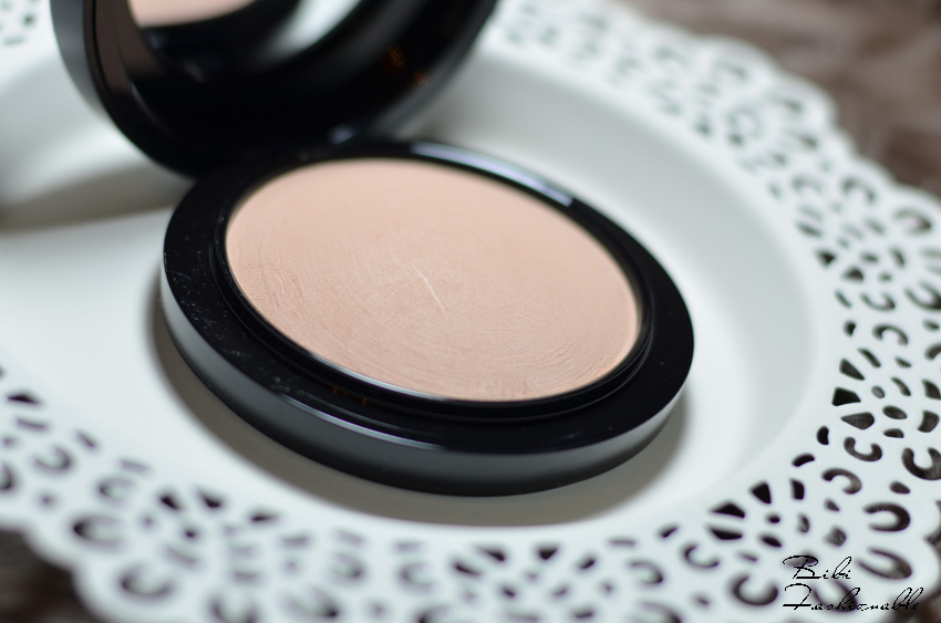 MAC Mineralize Skinfinish Natural offen nah