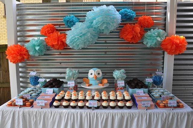 A Little Birdie Told Me Giggle Hoot Dessert Table