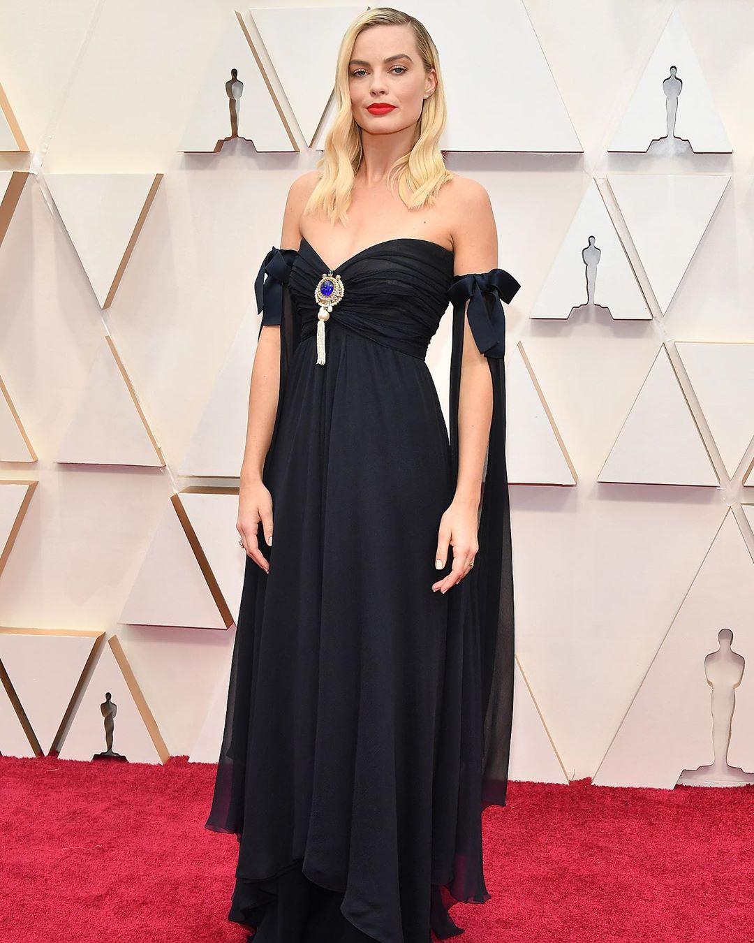 Os 12 melhores vestidos tapete vermelho do Oscar 2020